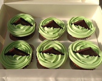 6 BeautIful  AfterEight Mint Flavoured Cupcakes With After Eight Segment