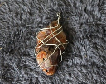 Wire Wrapped Stone Necklace.