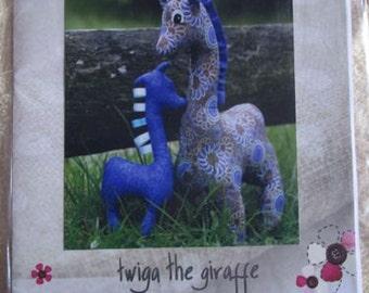 Giraffe soft toy pattern