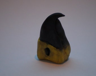 Sculpture raptor beak