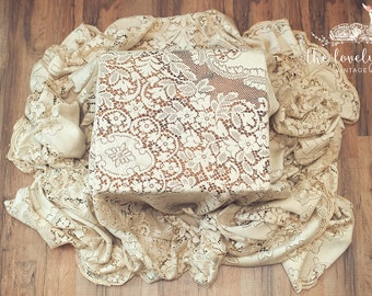 vintage tablecloth, vintage lace tablecloth, vintage lace, lace tablecloth, vintage linens, antique linens, ecru tablecloth, vintage floral