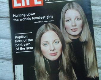 Retro Fashion magazine - Vintage Life Magazine - 1970 magazine - Vintage Model - Retro Fashion - Eileen Ford models - Fashion decor - Retro