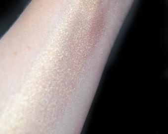 Melrose - Light Peachy Gold Highlighter