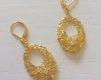 Golden nest earrings