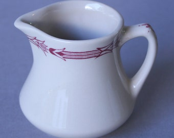 Mayer arrowhead mini diner creamer/syrup pitcher