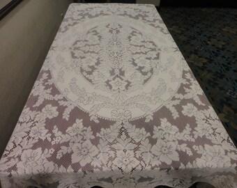 Vintage Quaker Lace White Tablecloth  82x64