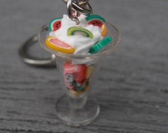 Keychain Cup ice fruit and whipped cream