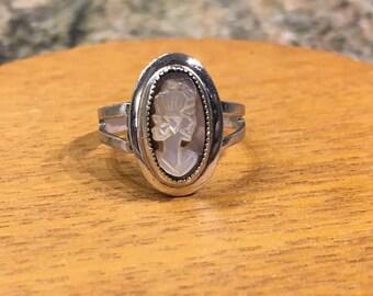 "Vintage "" Sarah Cov.""  Cameo Sterling Ring!!"