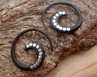 BLACK Bone Ear plugs earrings CA004851542_decorated with metal dots 3 mm _gift ideas
