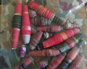 Mixed red tones paper beads