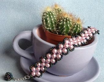 Glass pearls way