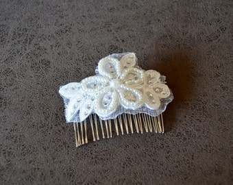 White Crystal and Pearl Floral hair comb