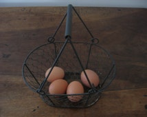 Very Old French Shabby Chic Country Farmhouse Wire Gathering Basket / Eggs / Fruit / Nuts / Seafood
