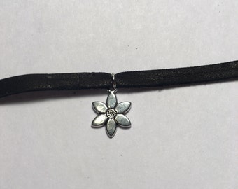 Black Choker with Flower Charm(FREE SHIPPING)