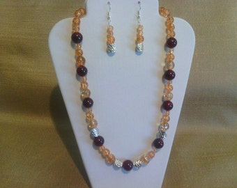 264 Vintage Style Apricot and Dark Red Plum Colored Glass Beaded Choker