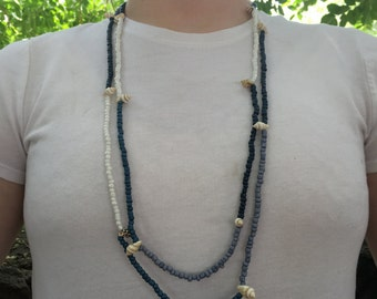 Beachy beaded necklace - Sea shells - blue - Handmade