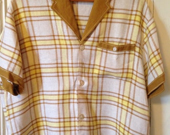 Vintage Large Catalina Men's Mustard Yellow Button-Down Shirt