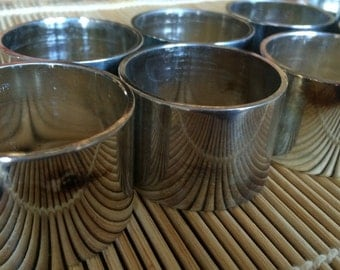 8 Napkin Rings--silverplated...Classic and beautiful International Silver Company