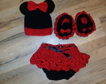 Minnie Mouse Style Outfit
