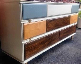 SOLD*** MID CENTURY Modern Dresser