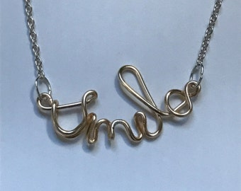 Smile wire necklace
