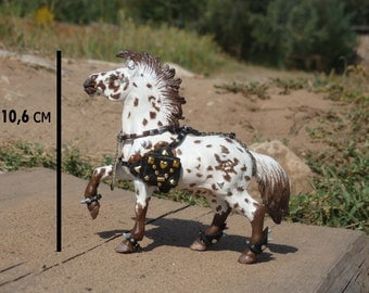 horse sculpture, figure, punk