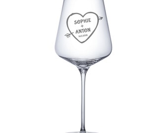 Set of 2 Wine Glasses – Personalised with Name and Date - Heart and Arrow - Beautifully Engraved