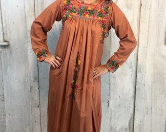 Vintage Oaxacan Hand Embroidered Dress//1970s Mexican Caftan//Boho Ethnic Kaftan