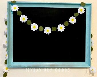Retro Daisies Felt Garland | Daisy Chain | Nursery Decor | Kids Room | Vintage Kitchen | Party Decor | Photo Prop | Custom Colors
