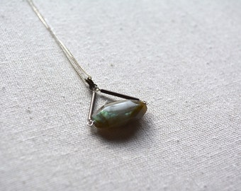 Labradorite Pivot necklace