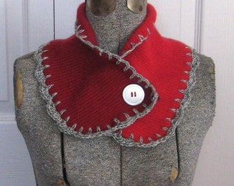 PASSION neck warmer .  made from recycled materials . red wool neck warmer . cashmere neck warmer. felted cashmere scarflette