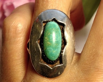 SALE TODAY Huge 1960s Vintage Turquoise Sterling Silver Vintage Native American Shadow Box Style Ring Size 5.5