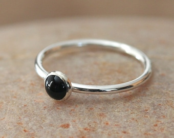Black Onyx Stacking Ring 5 mm in Sterling Silver, Size 2 to 15, Round Minimal Stacker Ring, Everyday Ring, Womens Ring, Gift for Her