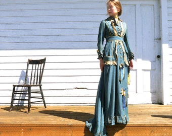1870s Teal Blue Victorian Trained Gown Size XS US 0