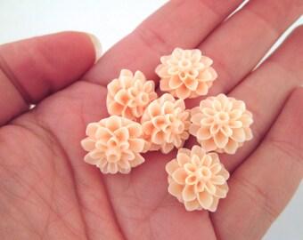Peach 15mm mum flower cabochons, chrysanthemum cabs