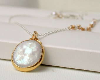 Coin Pearl Necklace. Bridal Necklace. Simple Pearl Necklace. Wedding Jewelry. Bridesmaid Necklace. Artisan.
