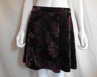 SALE Velvet floral short skirt