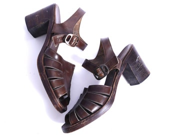 60s Brown Leather Sandals // Open Toe // Stacked Leather Chunky Heel // 7