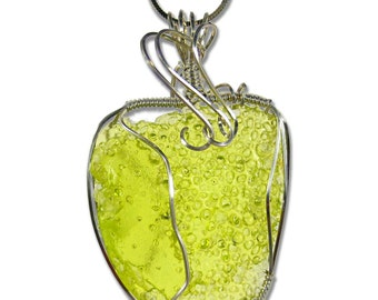 Fossil III Original Wire Wrapped Resin Pendant