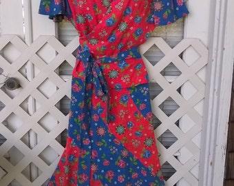 Hand made 70s Dress, Spiral Skirt and Butterfly Sleeve Wrap Top with Peplum, VERY Cute, Sweet Floral Print sz 32 waist, 36 Bust, M/L