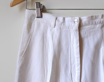 White Linen Bermudas, Vintage 90s Womens Clothes, Summer Wear, Shorts, 2 Pockets, Size US 10 Women, Womens, White Shorts, 2nd Hand Clothes