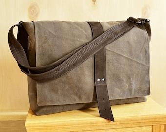 Laptop Bag for Men, Waxed Canvas Messenger Bag, Crossbody Bag, Mens Work Bag, Shoulder Bag, Gift for Him - The Sloane Bag in Khaki Brown