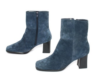 size 7.5 CHELSEA blue suede 80s 90s MINIMAL MOD zip up ankle boots