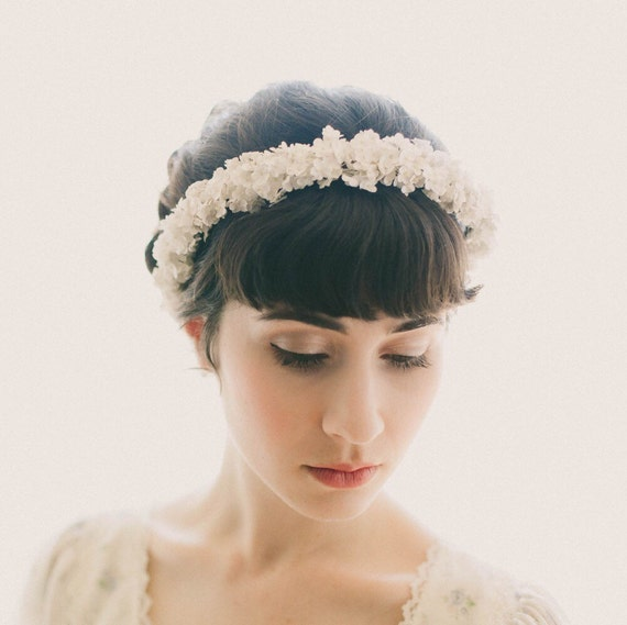 White baby's breath crown, bridal flower crown, Baby's breath wreath, Bridal hair crown, Floral headpiece, Light ivory flowers