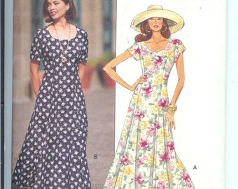 Butterick Fast and  EASY Misses Petite DRESS Sewing Pattern  6639  Size  6-8-10 UNCUT