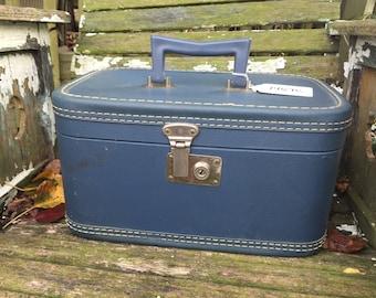 GREAT Vintage 1960's Era Blue Train Case Suitcase Luggage