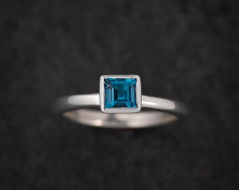 London Blue Topaz Ring For Her, December Birthstone, Princess Cut Gemstone Stacking Rings, Solitaire Gem Ring, Blue Topaz Silver Ring