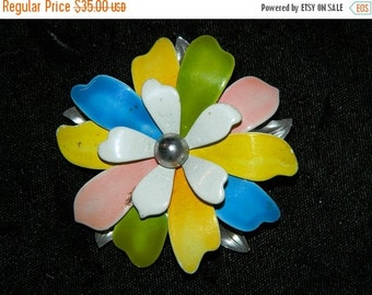 HUGE SALE Vintage Pastel Pink, Blue, Yellow, and Green Daisy Flower Pin, Funky 1960's High Fashion Pin, Brooch, Spring Time Flower, Daisy