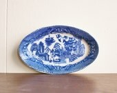 Vintage blue willow porcelain dish