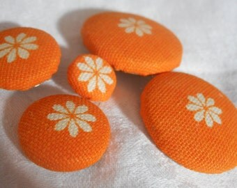 Set of 5 VINTAGE White Flower on Bright Orange Fabric BUTTONS